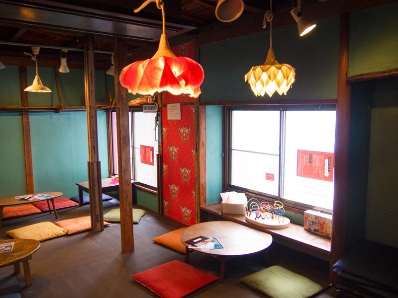 cafe太陽ノ塔 別館の畳のお座敷